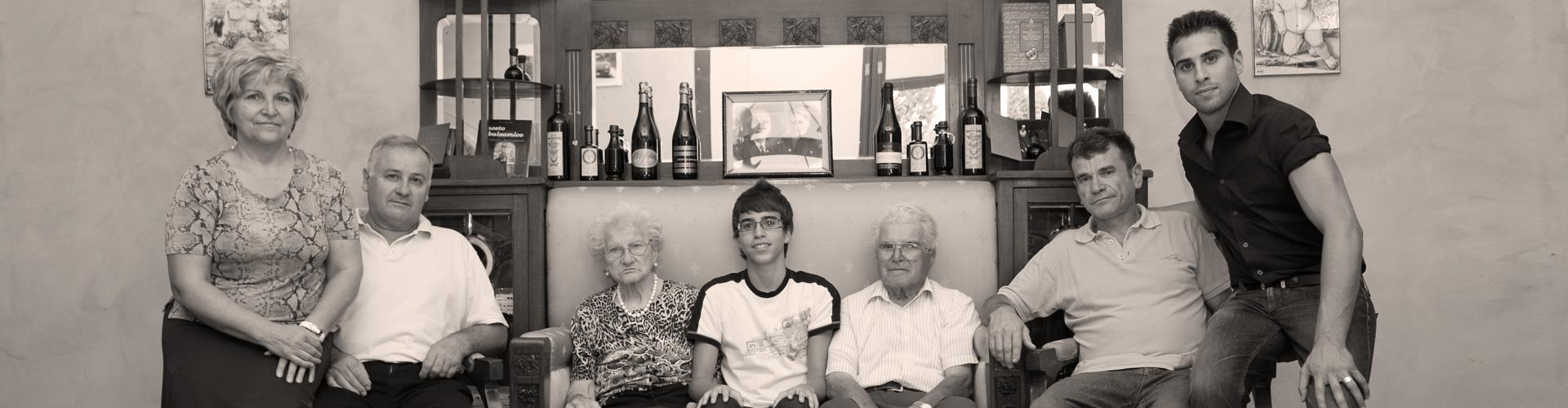 Chi siamo - quattro generazioni della famiglia Zanasi